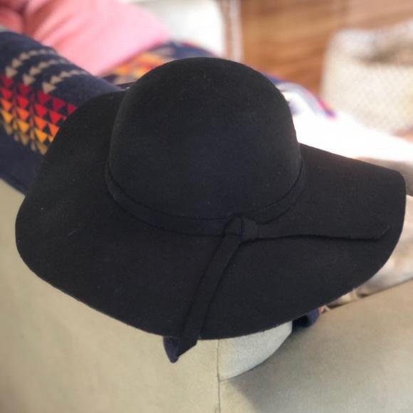 Black Felt Hat afa35cf06429